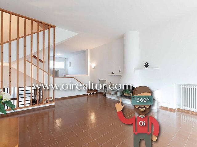 Casa pareada en venta con potencial en el centro de Vilassar de Mar, Maresme