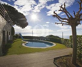 Fantástica casa unifamiliar en venta con vistas al mar en Lloret de Mar, Closta Brava
