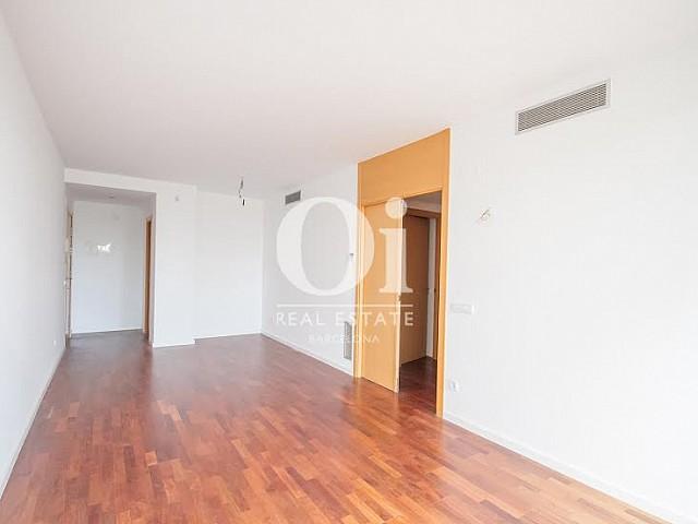 Vista de estancia en piso en venta en Fabra i Puig, Barcelona