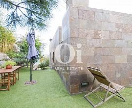 Venda de dues cases amb unes magnífiques vistes en venda a Alella