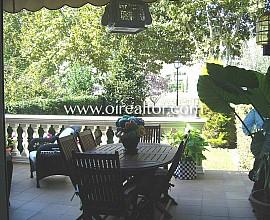 Wunderschönes Haus in der Wohnsiedlung Las Gardenias in Alella, Maresme