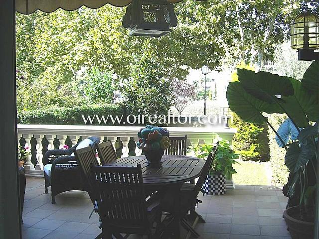 Casa en venta recién renovada en urb. Las Gardenias en Alella, Maresme