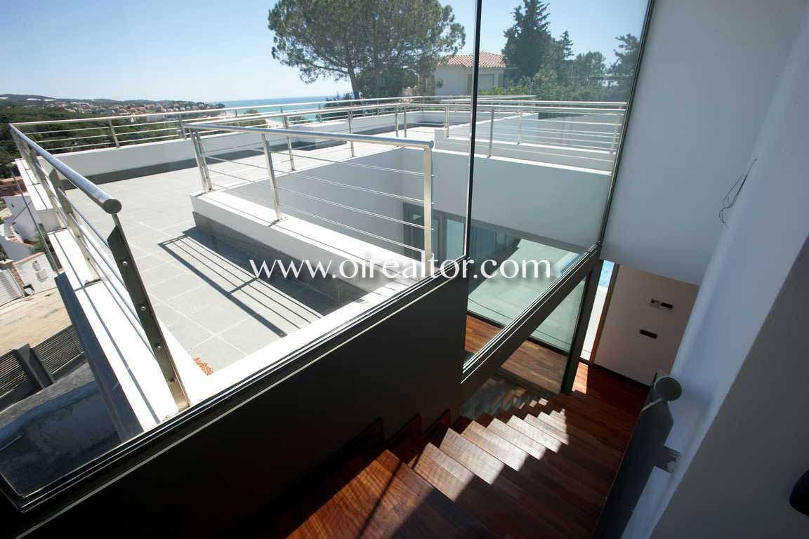 Продается дом с видом на море в Ареньс де Мар