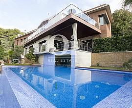 Exclusiva casa de diseño en venta en Premià de Dalt, Maresme