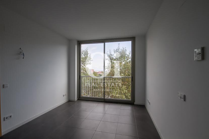 Wohnbereich in wunderschöner Luxus-Wohnung zum Kauf in Nou Barris in Barcelona