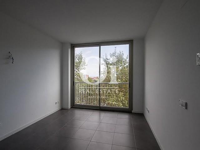 vista de salón comedor diáfano en piso en venta