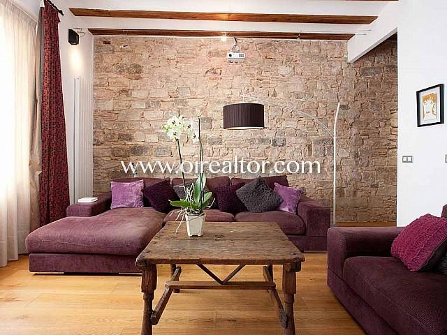 Apartament en venda amb reforma i bonics detalls arquitectònics d'origen al Born, Barcelona