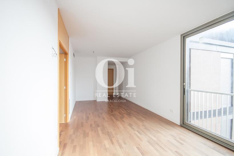 Wohnbereich in heller Luxus-Immobilie zum Kauf im Passeig Fabra i Puig in Barcelona