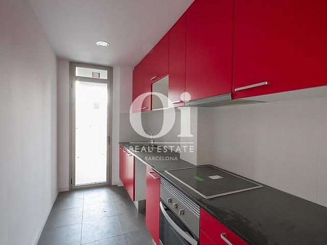 Modern kitchen in a brand new flat for sale in Nou Barris, Barcelona.
