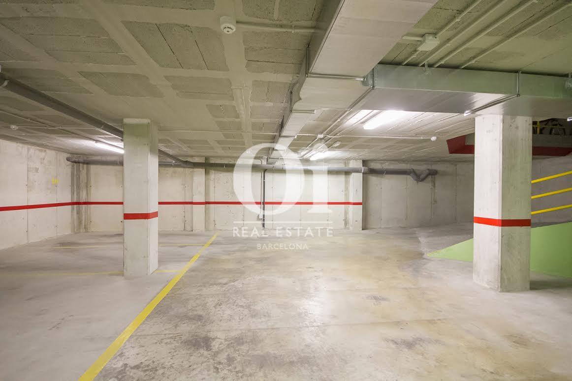 Garage in exzellenter Luxus-Immobilie zum Kauf im Passeig Fabra i Puig in Barcelona