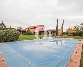 Fantástica casa en venta en Urb. privada junto al Golf de Perelada en Gerona