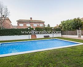 Preciosa casa pareada en pleno centro de Sant Andreu de Llavaneres