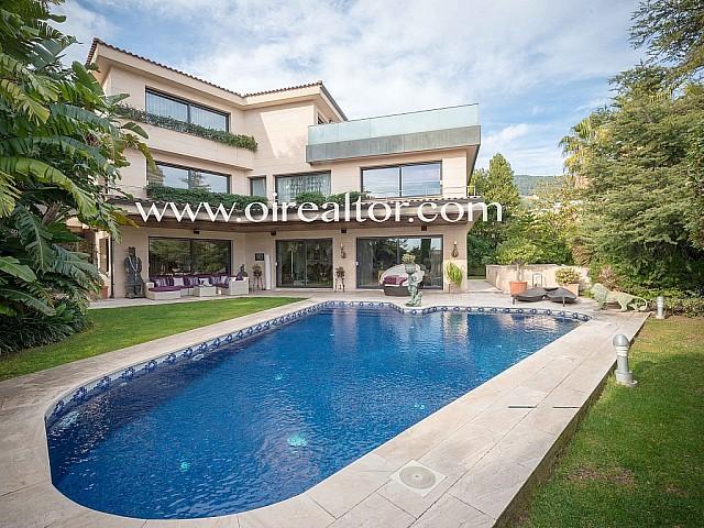 Magnífica casa con piscina en Pedralbes