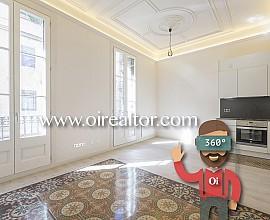 Refurbished apartment for sale in historic building in Gràcia, Barcelona