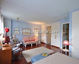 Acogedora casa esquinera en venta en Mas Terrillo, Cabrera de Mar, Maresme