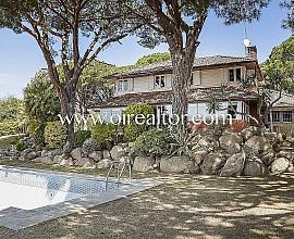Bonita casa en venta con vistas al mar en Sant Vicenç de Montalt, Maresme