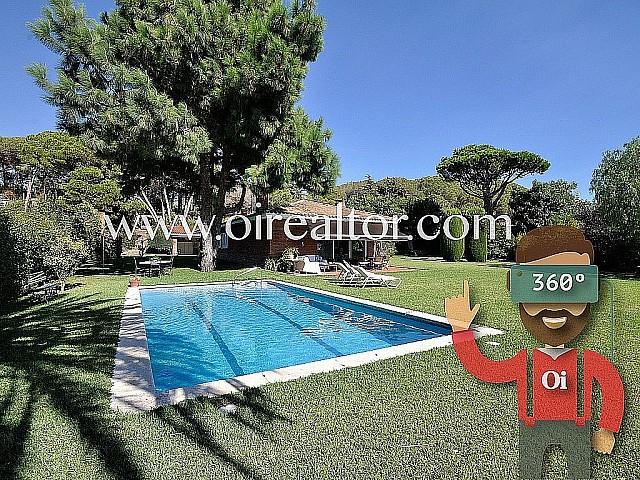 Schönes Haus zum Verkauf mit Blick aufs Meer in Sant Andreu de Llavaneres, Maresme