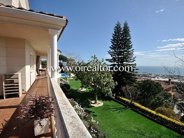Wonderful house with sea views in Premiá de Dalt