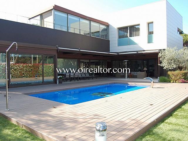 Villa de alto standing en venta en zona Castelldefels playa