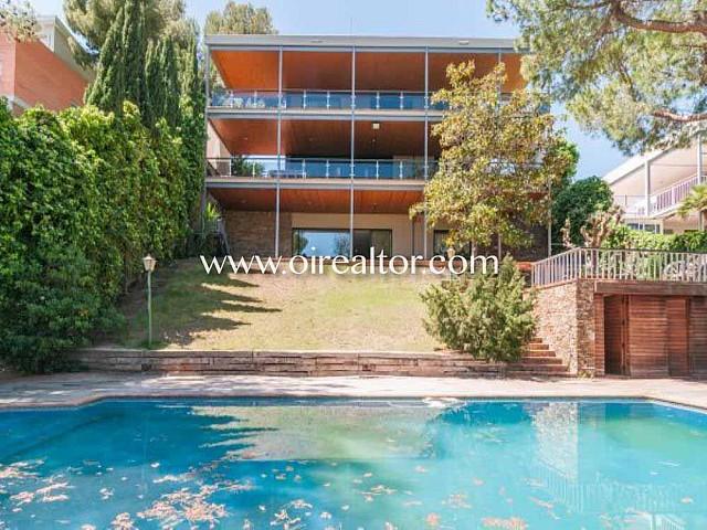 Gran casa a quatre vents en venda en zona residencial del Poal a Castelldefels