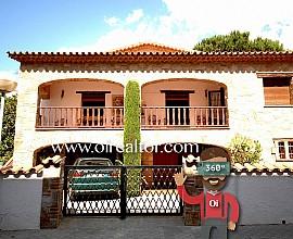 Gran casa rústica en venta en el centro de Argentona, Maresme