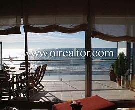 Продается роскошный дуплекс на первой линии от пляжа в Кубельес