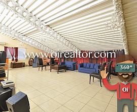 Perfekte Fabrikhalle für Büros und Cowork in einer Premiumzone in Poblenou, Barcelona
