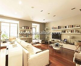 Appartement exclusif en vente avec terrasse et piscine privée à Gracia, Barcelone