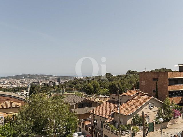 Piso en venta en Cancaralleu con gran terraza y vistas espectaculares, Barcelona