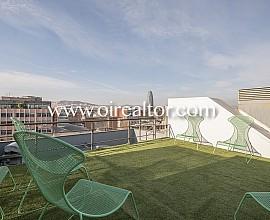 Ático dúplex en venta con espectaculares vistas en el Poblenou, Barcelona