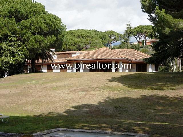 Espaciosa casa en finca de 7.000 m2 en Sant Andreu de Llavaneres