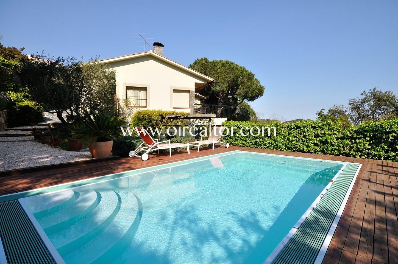 Excelente casa con piscina y vistas a mar en arenys de - Casas en arenys de munt ...