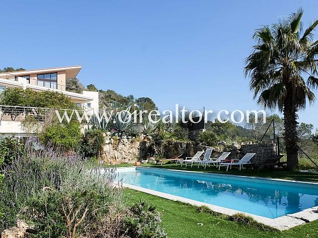 Espectacular casa amb piscina a Quint Mar, Sitges