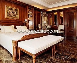 Elegant mansion for sale in Pedralbes