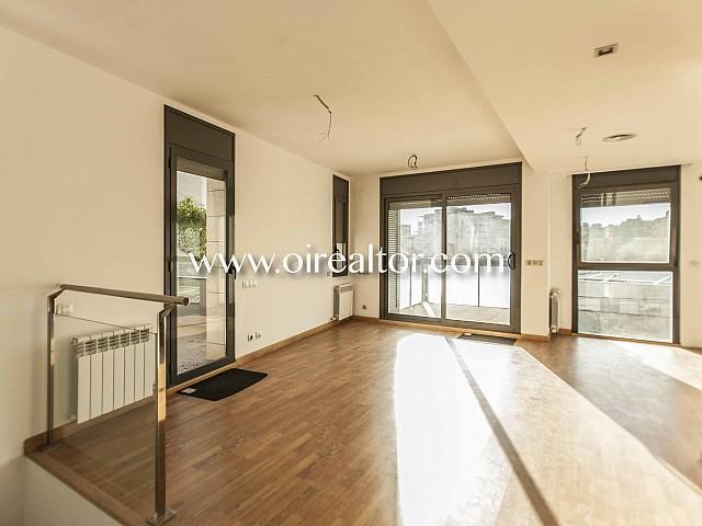 Duplex zu verkaufen in Gracia, Barcelona
