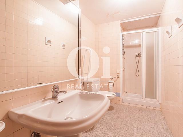 Vista de cuarto de baño de piso en venta en Carrer Beethoven, Sarria