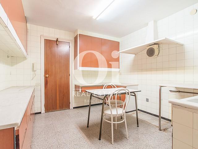 Vista de cocina de piso en venta en Carrer Beethoven, Sarria