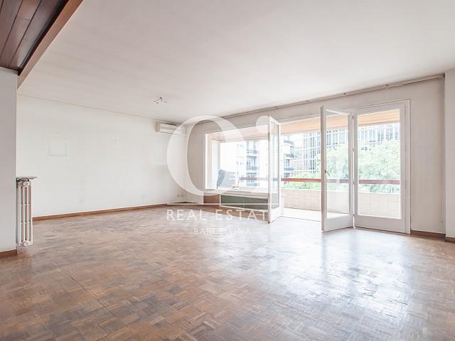 Продается недвижимость под ремонт в эксклюзивной зоне Туро Парк Барселона