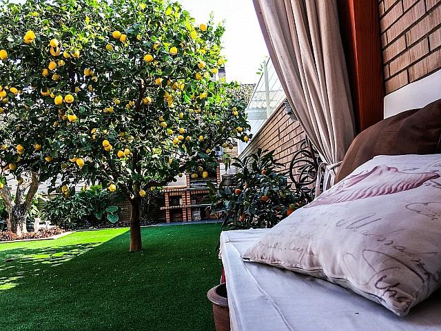 Bonita casa de 240 m2 con jardín de 75 m2 en la tranquila Urbanización de Vallsuau