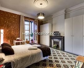 Продается квартира с туристической лицензией в Эшампле, инвестиция