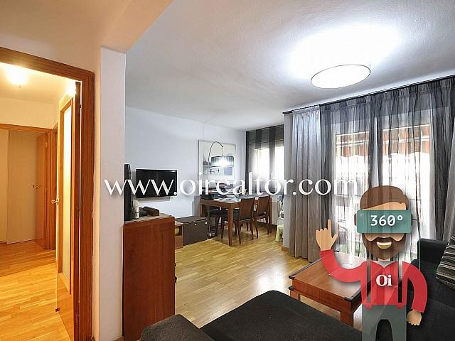 Zentral gelegenes, umgebautes Apartment zum Verkauf in Barcelona