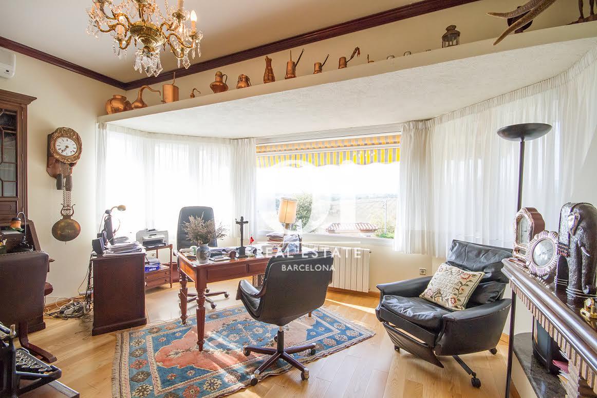 Zona de despacho de casa en venta en Vilobí d'Onyar