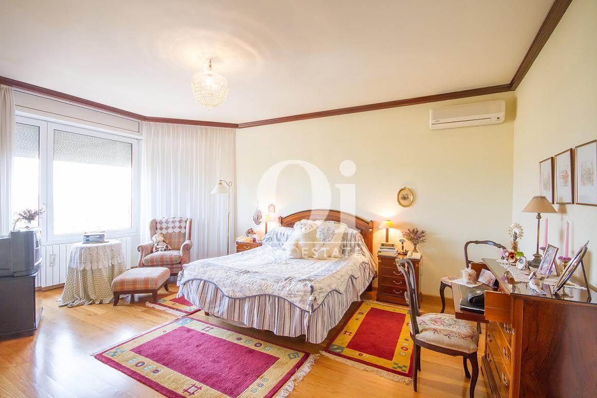 Dormitorio doble  de casa en venta en Vilobí d'Onyar