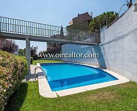 Ático dúplex en venta con vistas al mar en Horta, Barcelona