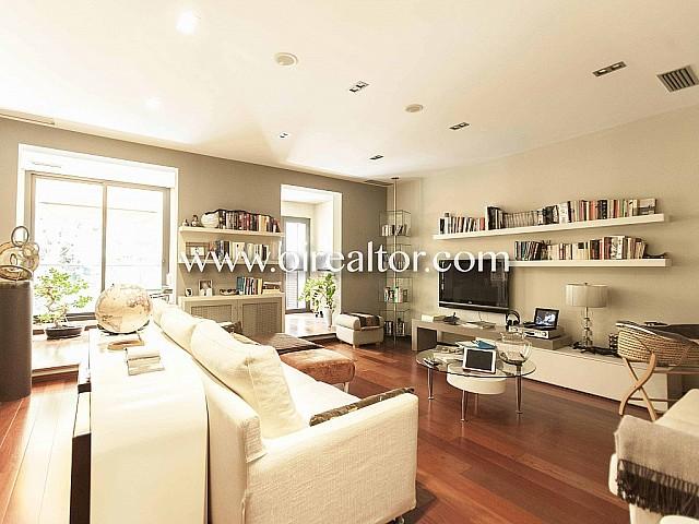 Exclusivo piso  en venta con terraza y piscina privada en Sant Gervasi - Putxet, Barcelona