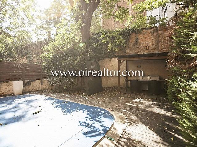 Exclusivo piso  en venta con terraza y piscina privada en Gracia, Barcelona