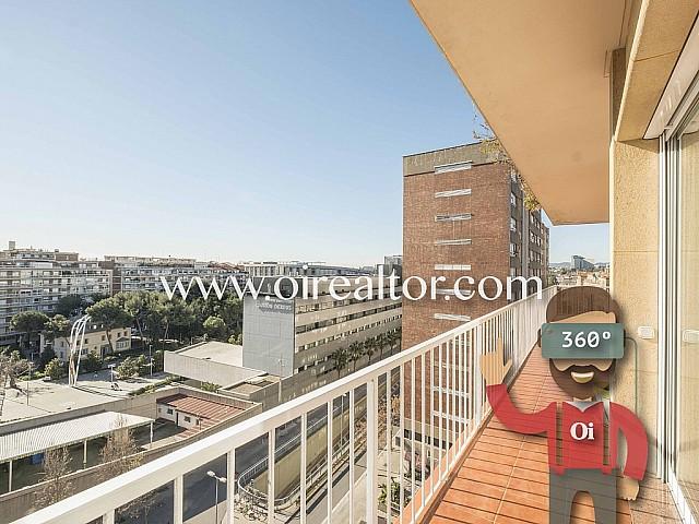Piso a tres vientos con vistas a toda la ciudad en María Cristina, Barcelona