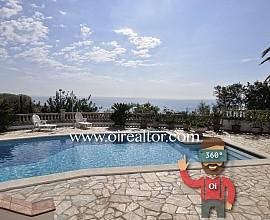 Espectacular villa con dos viviendas con impresionantes vistas en Sant Pol de Mar