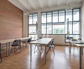 Luminoso loft en Poblenou con alta rentabilidad de 4.8%, Barcelona