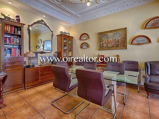 Casa catalogada en venta estilo regio en la zona alta de Sarrià